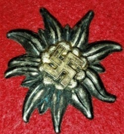 Nazi SA Gruppe Hochland Cap Badge...$75 SOLD
